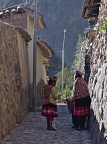Traditional dresses in Ollantaytambo